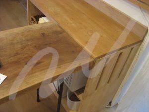 レンジ棚とテーブル